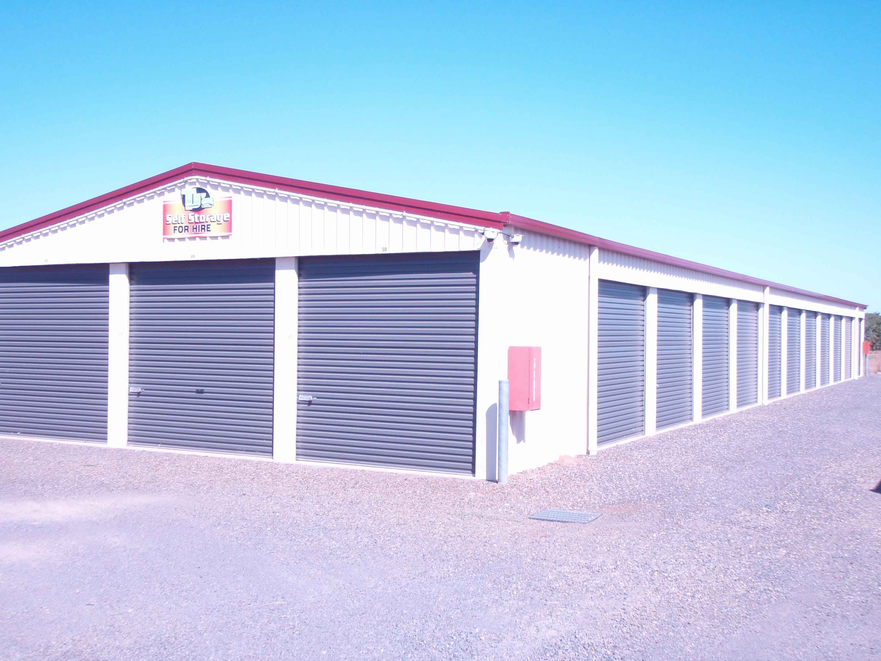 24hr Surveillance, Electronic Gate Access, Safe/Secure Storage, 2 x 3 metres 4.5 x 4.5 metres 6 x 3 metres 9 x 3 metres, open caravan storage, under cover caravan space 7 x 3 metres
